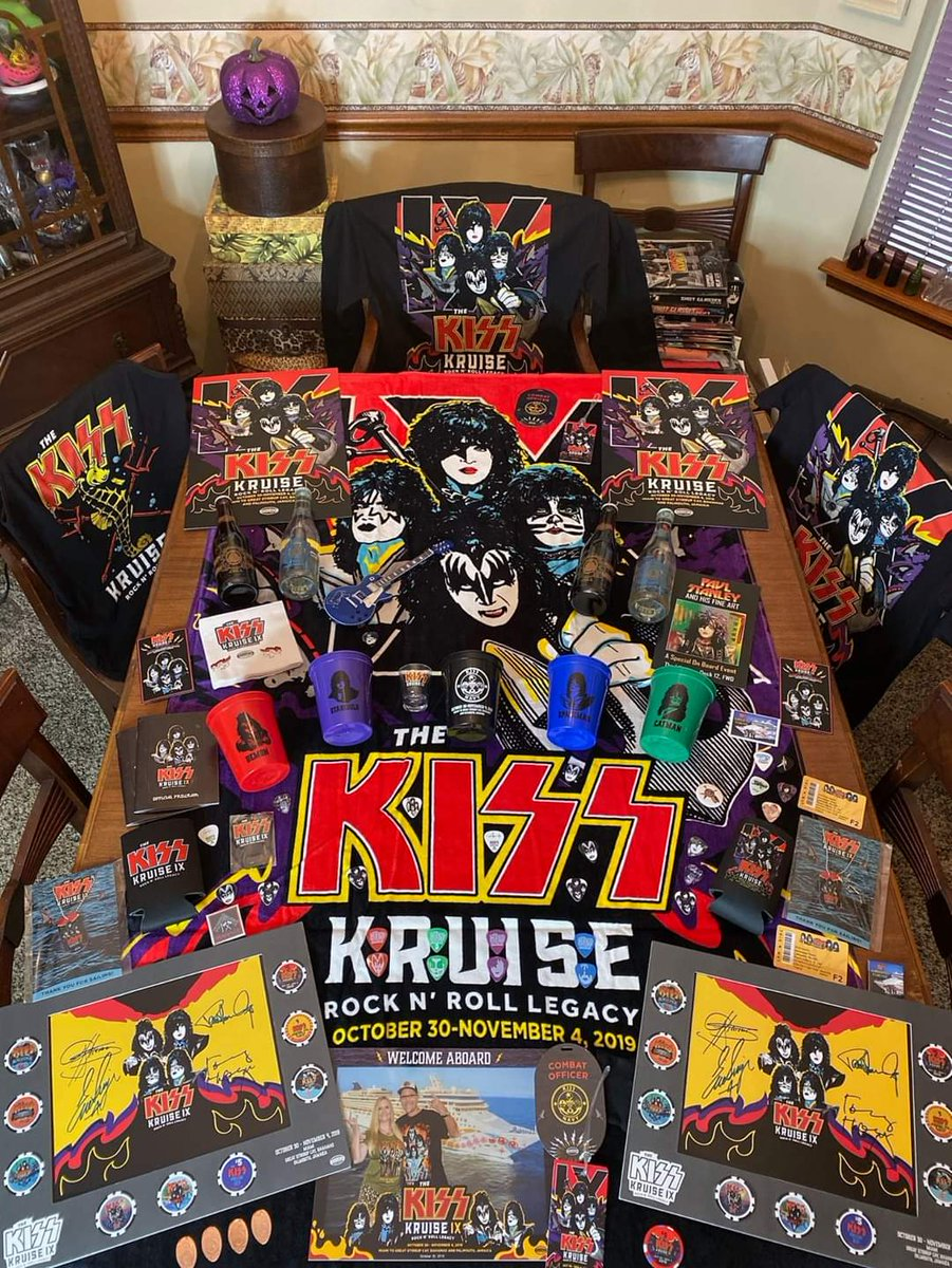 #KISSNAVY ROCKS! Wow! Thanks to Tom & Rita Mady for sharing their awesome @TheKISSKruise IX collection with us!