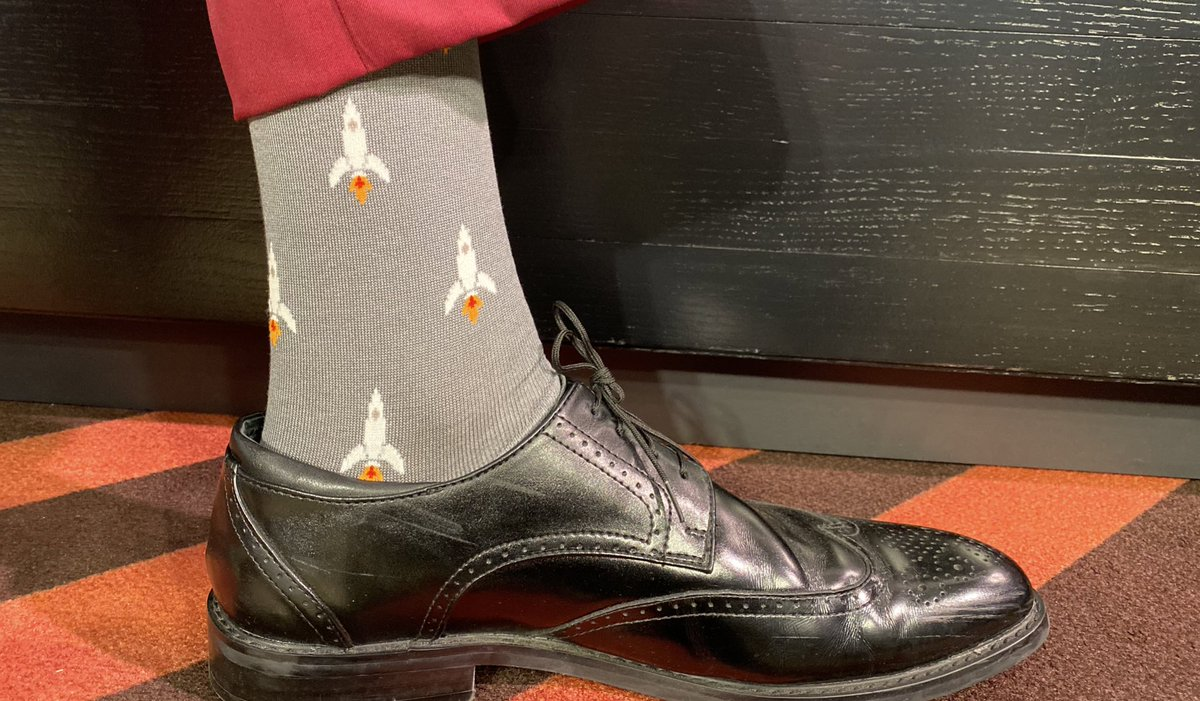 Game time here in Moda and I'm rocking these super comfortable LUXE @SockItToMeInc threads as my toes rest in heavenly bliss!