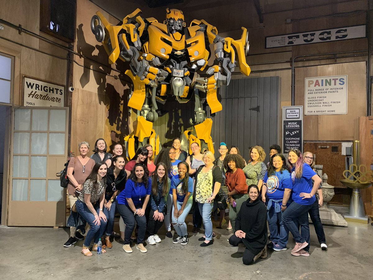 Every time filming is wrapped for a Transformers movie, the cast takes a picture in front of Bumblebee. How awesome is it that #TheGeeklyRetreat women got a chance to take one too?! @ParamountPics #BehindTheScenes @thegeeklyshow #Transformers<br>http://pic.twitter.com/XaAsLvgVb5