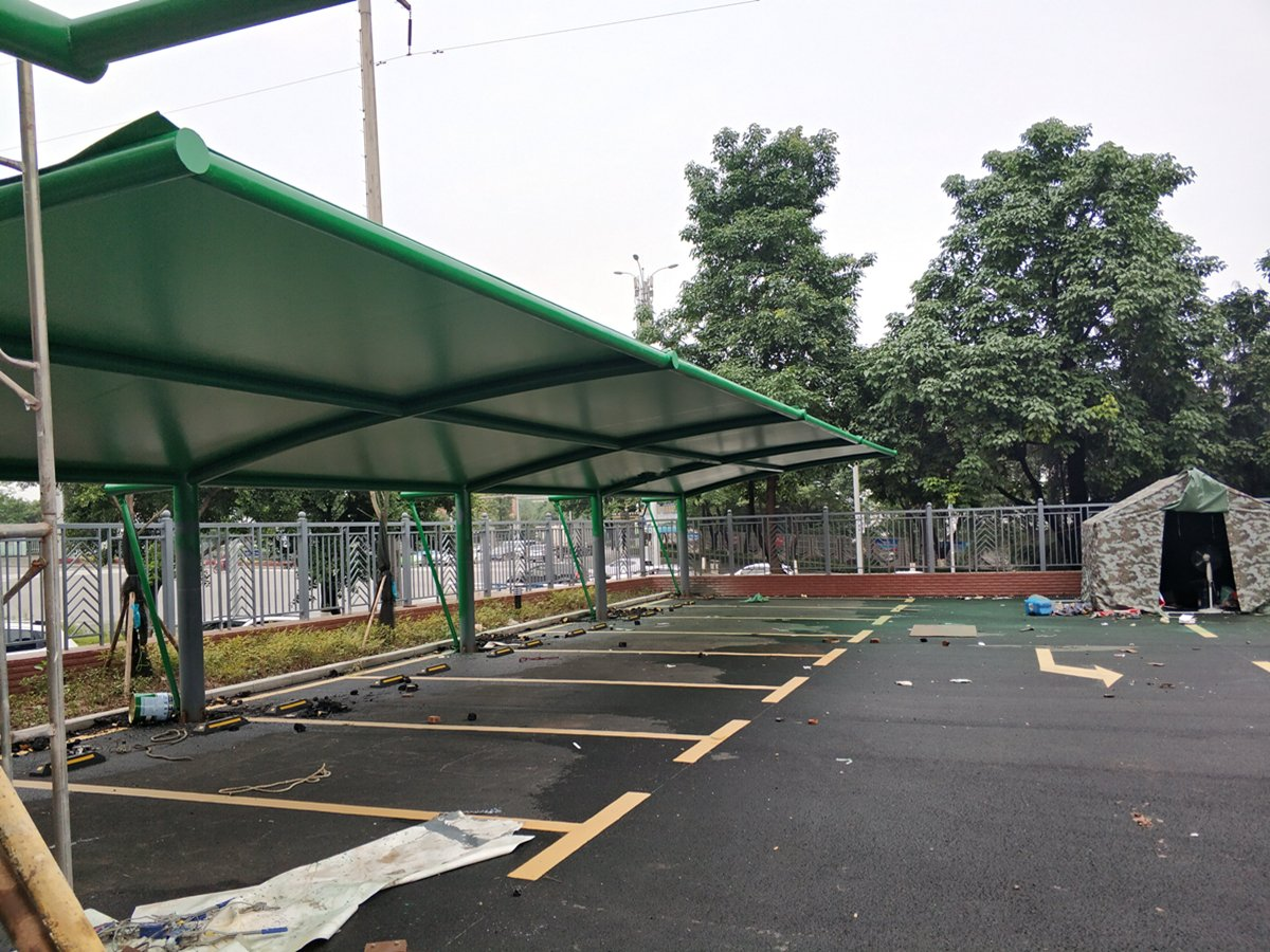 Colorful Fabric Structure Shade & Awning & Canopy for Water World Playground . . . #pvcfabricbuilding #ptferronparpharmaceuticals #roofstructureontheworld #shadesofgreen #fabricstructure #roofstructurelourdes #roofstructure #tensilemesh #sheltercatsrule #canopyroofrackspic.twitter.com/L3FHlPIsEm