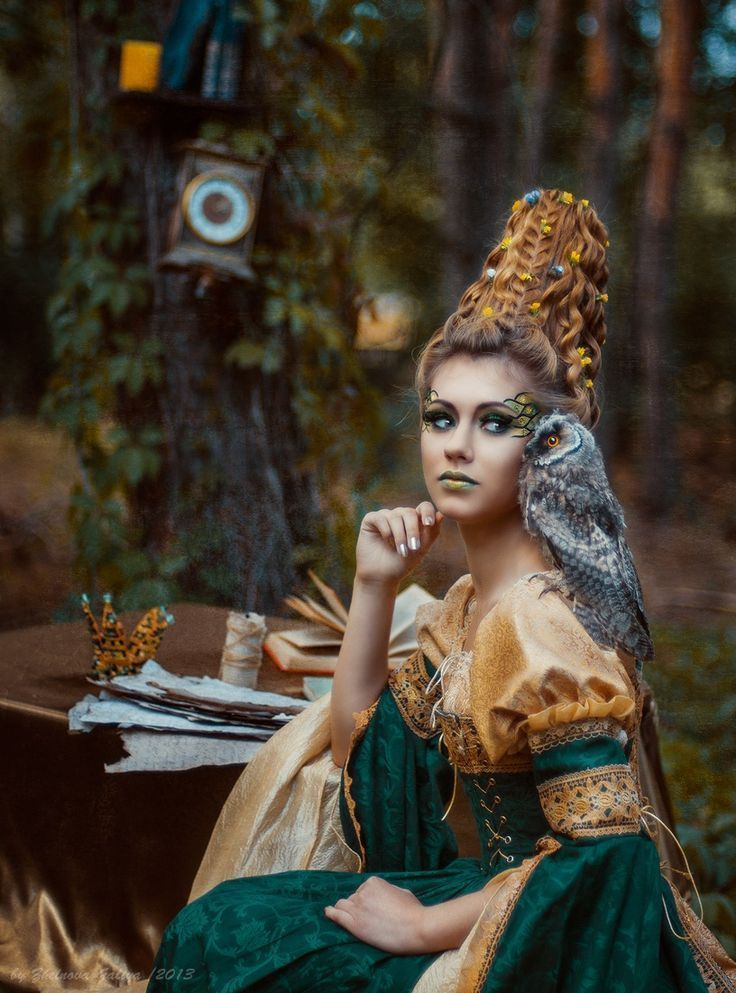 Listen to the wind, it talks. Listen to the silence, it speaks. Listen to your heart, it knows. Native American Proverb #writing