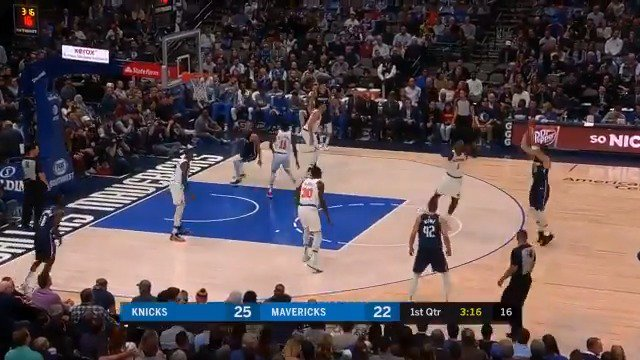 👀 @luka7doncic records his 4th triple-double of the season with 38 PTS, 14 REB, 10 AST. #MFFL https://t.co/gcOzomknZl