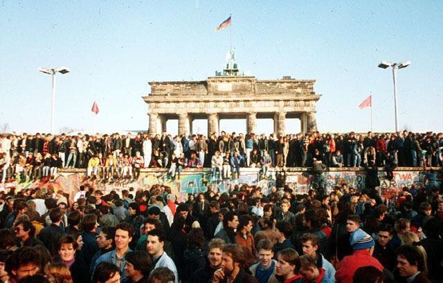 #OTD 1989. Fall of the Berlin Wall. Former West German Chancellor Willy Brandt says 'Now what belongs together will grow together'