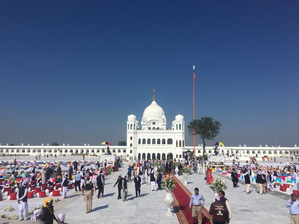 In the fight of Jinnah Vs Gandhi. Jinnah has won. #KartarpurCorridor #AYODHYAVERDICT #BabriMasjid #AyodhyaCase #kartarpurcorridoropening
