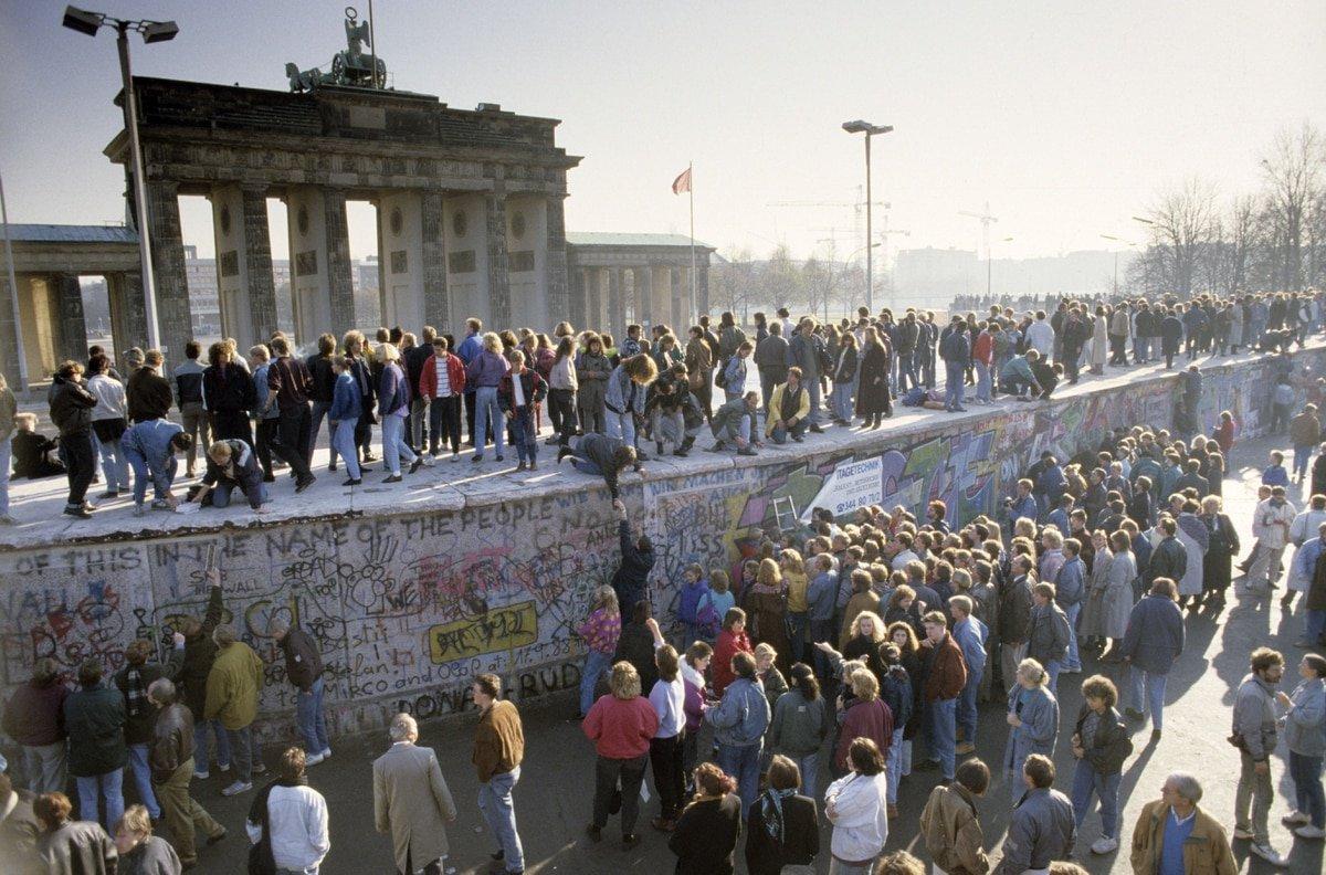 El doodle de Google recuerda los 30 años desde la caída del Muro de Berlín