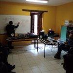 Image for the Tweet beginning: Ederra gaurko sintetizadoreen inguruko ikastaroa.