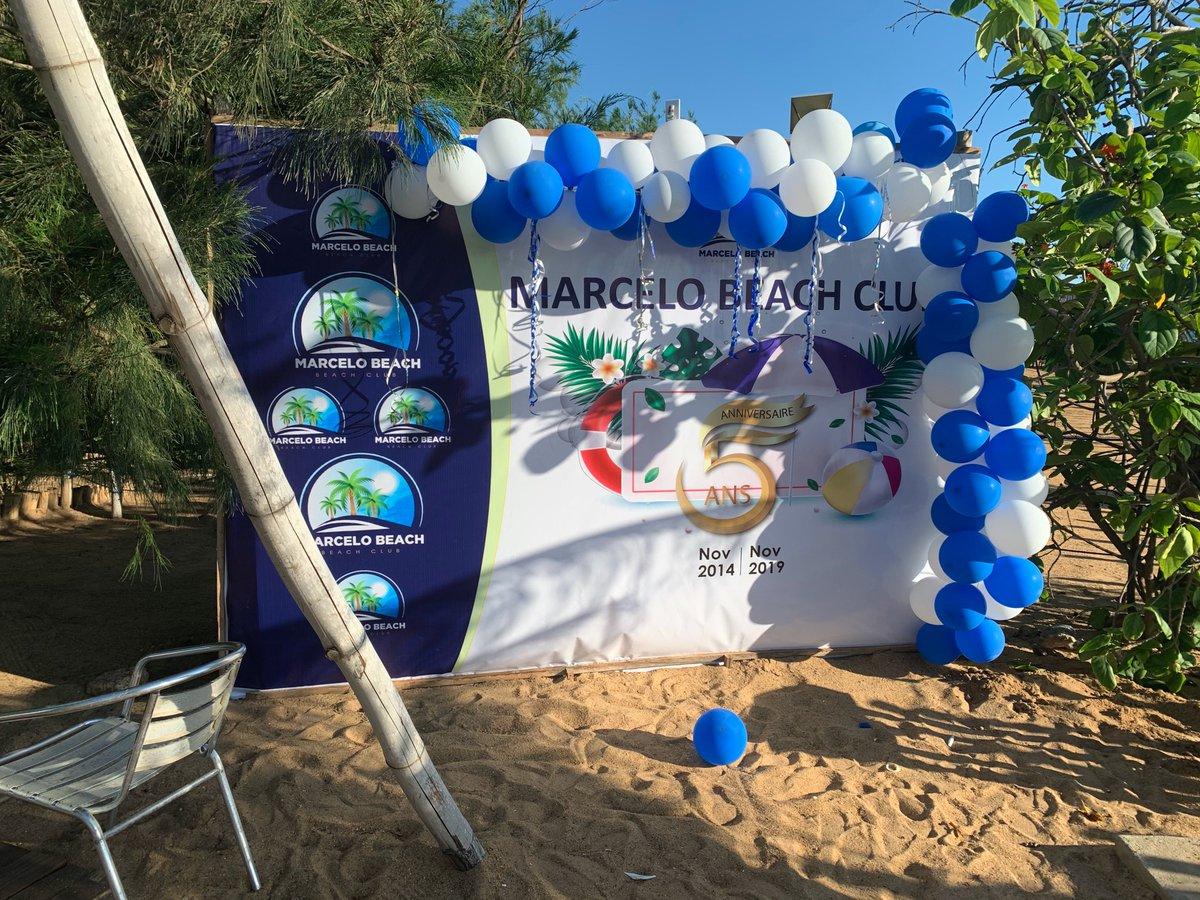 c'est le week-end, il fait beau ☀️☀️☀️venez profiter de la plage et de la piscine! avec un cocktail maison c'est juste l'ideal 🍹🍸🥃  #beachday  #pool #sunnyday  #togo228 #restaurant #lomé https://t.co/BFvqFqnyGF