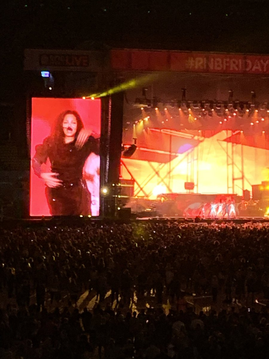 Once again The Queen @JanetJackson stole the fucking show! #JanetJackson #rnbfridayslive <br>http://pic.twitter.com/BQTnN4rZQg