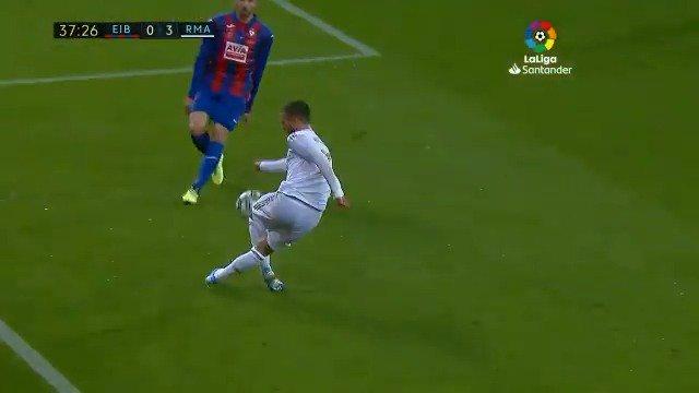 @MovistarFutbol's photo on Hazard