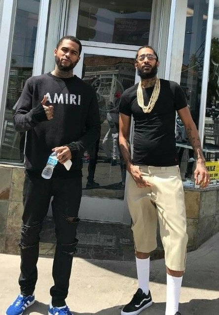 Dave East Weighs Whether Or Not He Should Drop Nipsey Hussle Collaborations, he has said him and Nip recorded 6 songs together. <br>http://pic.twitter.com/Y9AOFegrfM