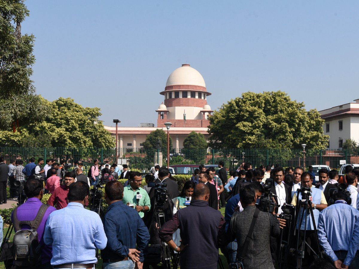 SC precinct, CJI's courtroom witness rare site on judgement day in Ayodhya case http://toi.in/MzYqIa16/a24gk  #AyodhyaVerdict #Ayodhya #AyodhyaJudgment