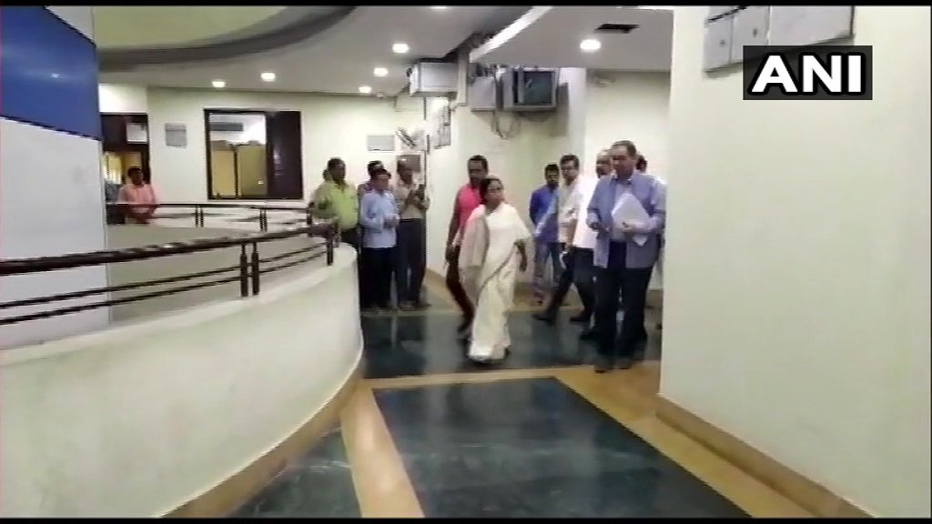 Howrah: West Bengal Chief Minister Mamata Banerjee visited a control room at the state secretariat earlier today to monitor the situation. #CycloneBulBulTrack LIVE updates: http://toi.in/CycloneBulBul (Pics: ANI)