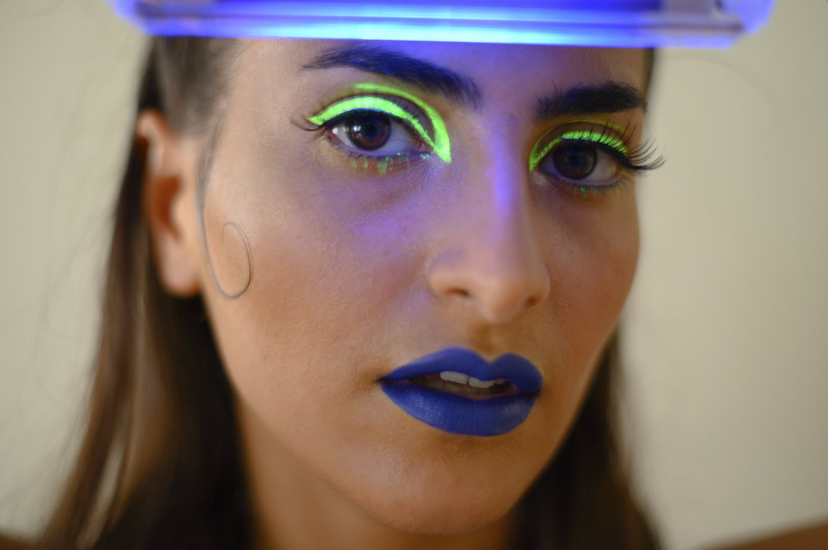 I had so much fun doing this Neon makeup @Nurilynn  @dianabarsegyan1  . . . #neonmakeuplook #losangelesmakeup #makeupartistlosangeles #makeupartistcommunity #makeupneon #artcommunity #makeupcommunity #makeupartistlife #nofilterneededpic.twitter.com/pQebZvQ8DW