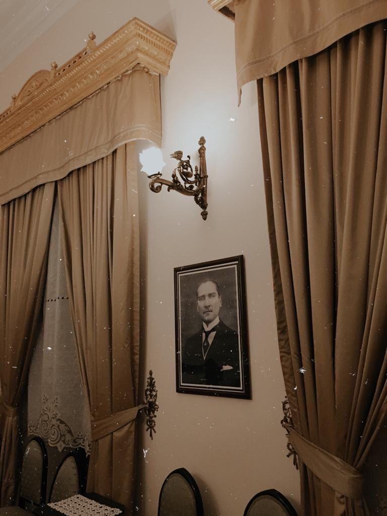 RT @Nazenint: Yaktığın ışık hiç sönmeyecek... #MustafaKemalATATURK #10Kasim https://t.co/kZhLferoG0