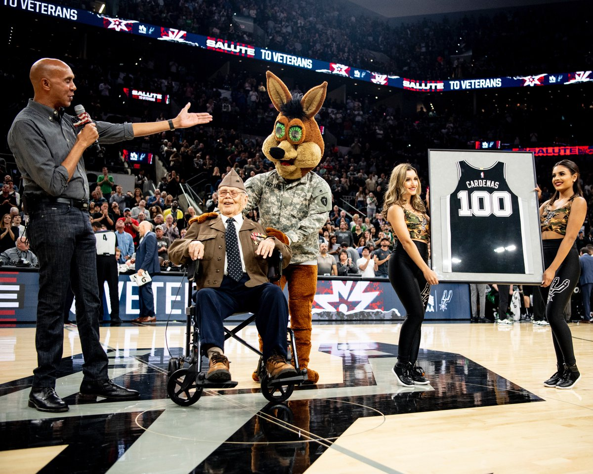 In honor of Military Salute Night, we recognized 100-year-old World War II veteran Odon Cardenas with a custom jersey! #SpursSalute | @USAA