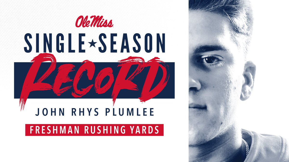 He needed 13, and @PlumleeJohn gets 14 on his first carry of the day to break the single-season record for rushing yards by a freshman! #HottyToddy