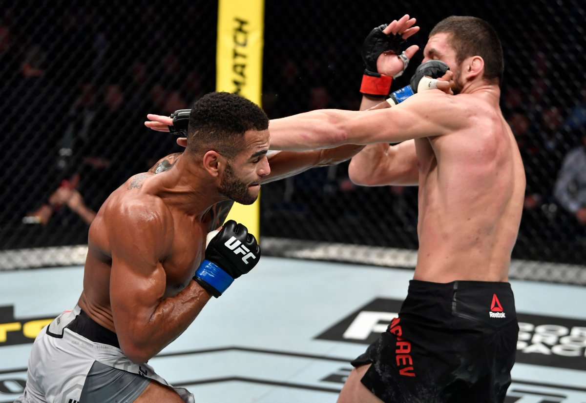 #UFCMoscow Official Result: @DanHotChocolate def Zelim Imadaev by KO at 4:54 in Round 2.  Live Results: https://ufc.com/news/ufc-moscow-fight-results-zabit-magomedsharipov-calvin-kattar …