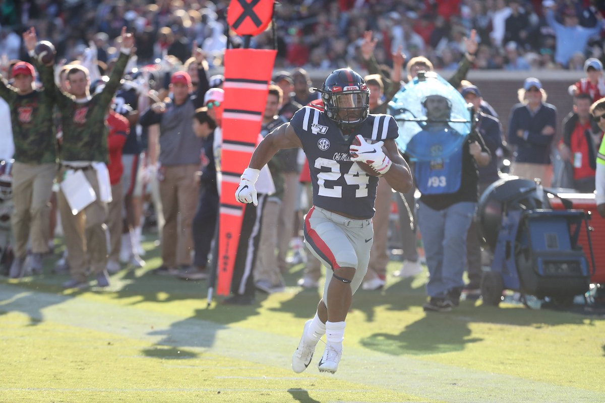 Fourth TD of the season for Snoop 🔵🔴 #HottyToddy