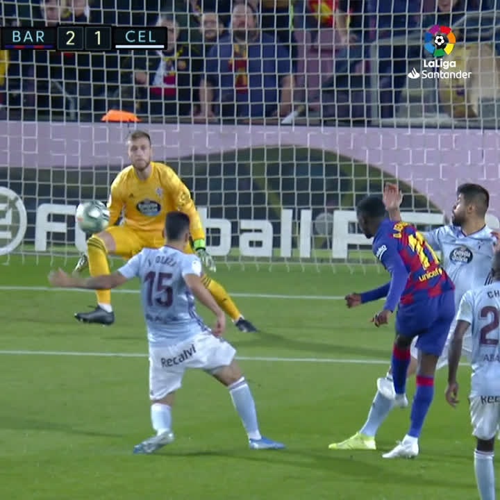 Dembele waltzes through Celta Vigo's defence and goes so close to finishing the run with a wonder goal!    A big threat in attack!   #BarçaCelta