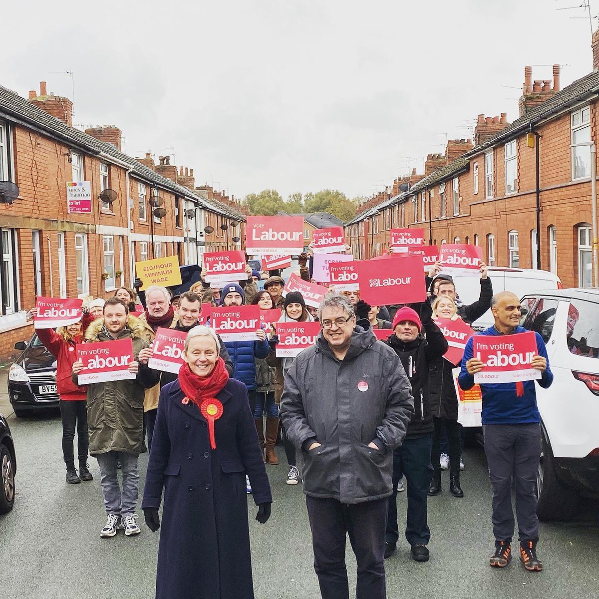 Campaigning for the many, not the few. Join us wirralwest.laboursites.org #GE19 #labourdoorstep