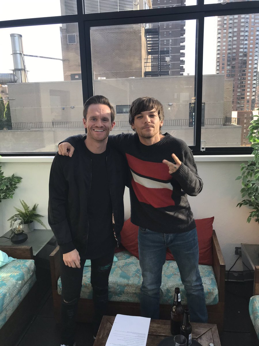 #WATCH: my one on one chat with @Louis_Tomlinson is LIVE 👉🏼 instagram.com/tv/B4LeEz_jxG1…