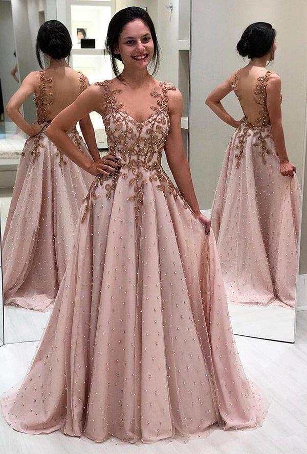 Checa este vestido, su diseño es muy muy bello. Perfecto si vas a ir a una fiesta formal. Expo 15 este 16 y 17 de febrero Palacio de los deportes. 😘