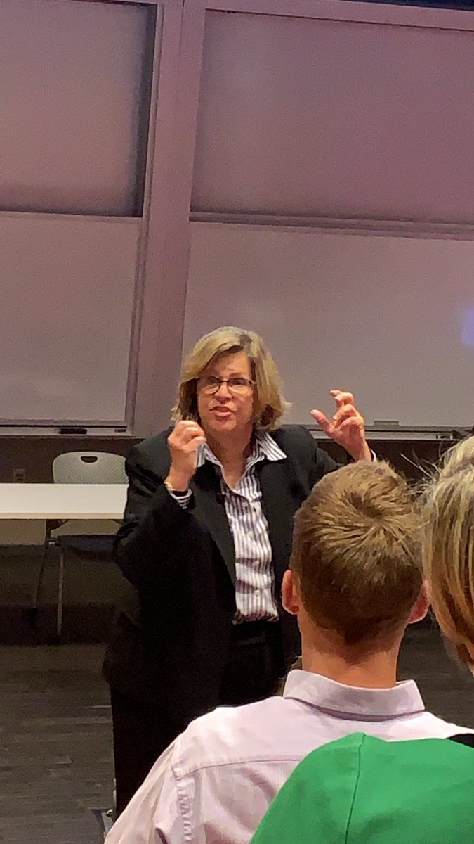 @reneehobbs thank you for sharing your wisdom and enthusiasm for media literacy. I wish I had class again tonight so I could start to use the practically oriented and important approaches you gave us! #uark #coehp #cied https://t.co/df9AWGJL4n