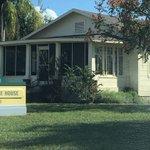Image for the Tweet beginning: [alleged] CRIME SCENE HOUSE: