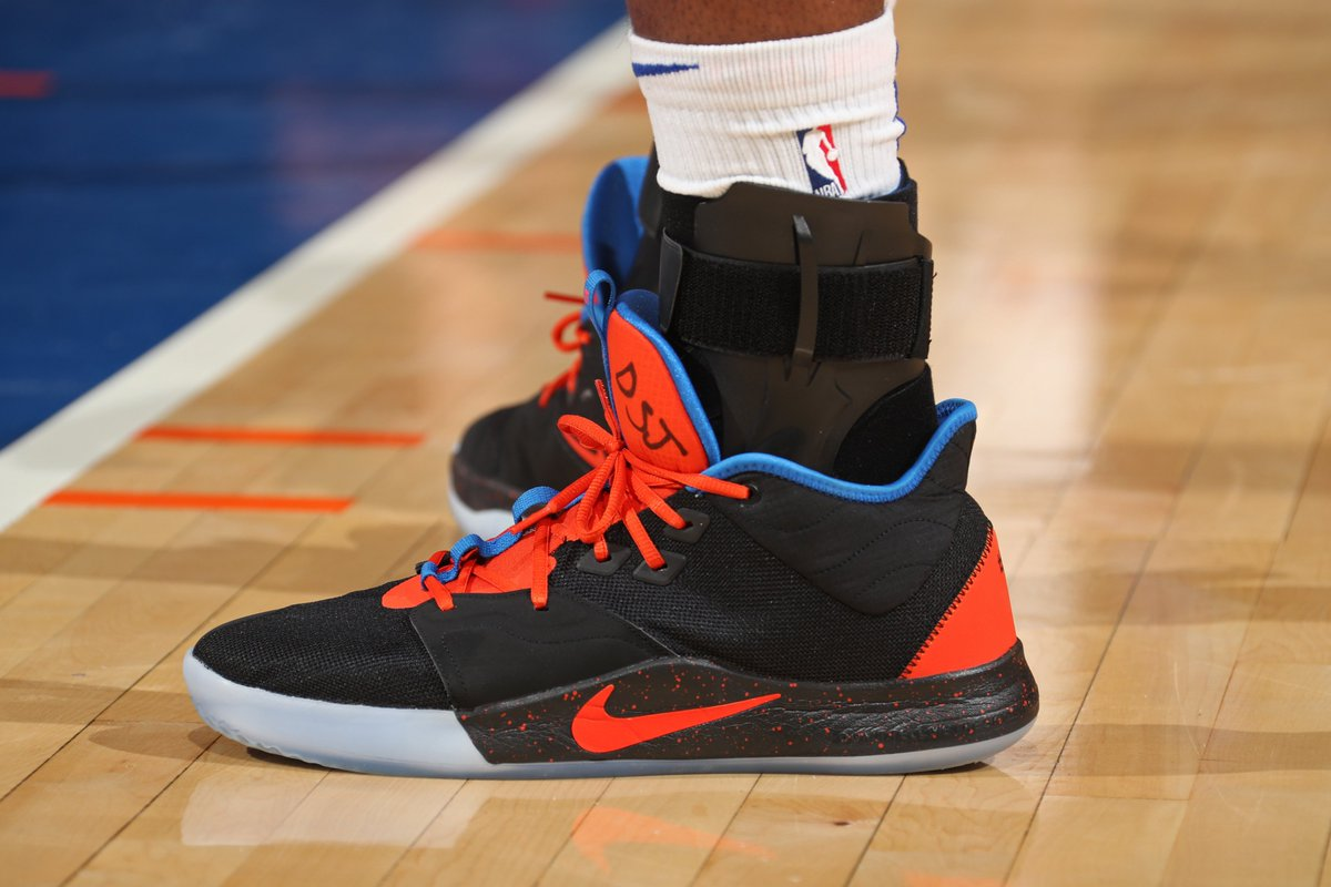 Mitchell Robinson inscribed DSJ 5 on his sneakers tonight for Dennis Smith Jr., whos back home in NC mourning the death of his stepmom 🙏 @brkicks