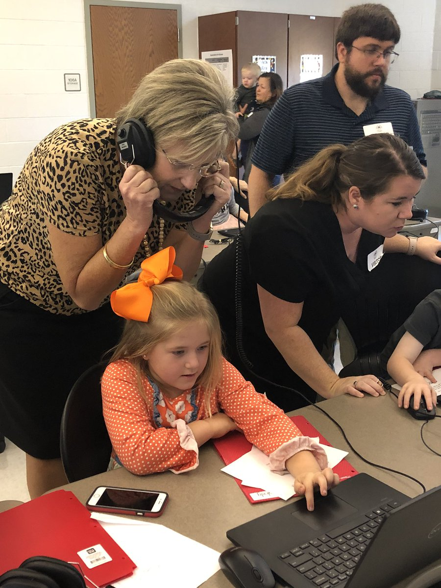 Blakely's EPIC build showcase was a success! I am so thankful for principals and assistant principals that take an active role in supporting the children daily! Check out our awesome principal @NicholsBrendaB listening to Blakely's project 🧡🧡🧡 #Codetothefuture #OneRCE https://t.co/ldT00Ewgqf