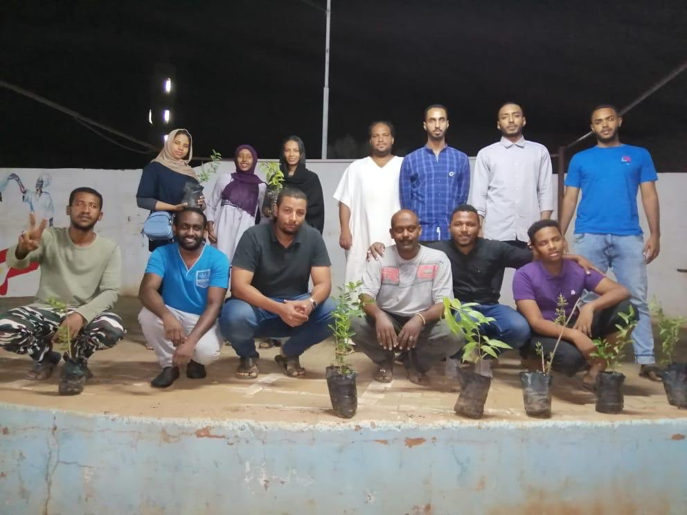 Finally we can say the whole of Burri Ad Dara'Isah have gone green and 500 seedlings have been planted by burri resistance committee and GFS volunteers.#greenforsudan #greenforburri #GFS<br>http://pic.twitter.com/TJBuPljFFt