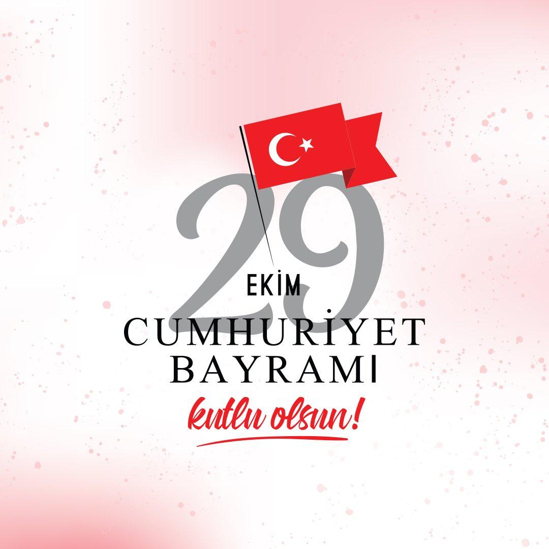 Cumhuriyetimizin kuruluşunun 96. yılında Ulu Önder Mustafa Kemal Atatürk'ü saygıyla anıyoruz. Cumhuriyet Bayramımız kutlu olsun!🇹🇷 #29ekimcumhuriyetbayramımızkutluolsun https://t.co/4eLlggkFT8