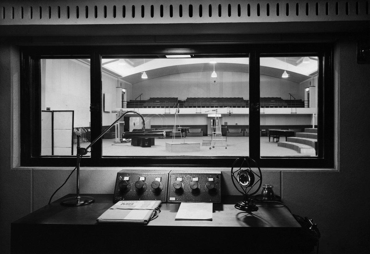 EIC3LPGX4AAA1XN - Maida Vale Studios