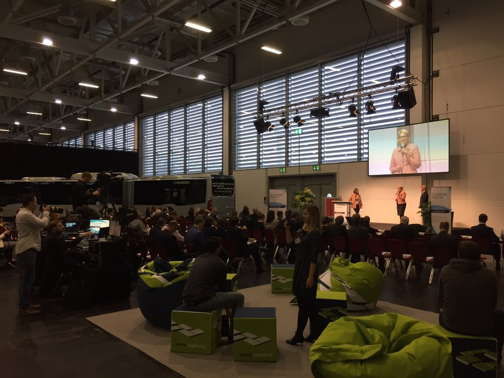 test Twitter Media - Luftqualität, Emissionen, Verkehr: Beim Clean Air Experts Day der @stadtaugsburg und @FaureciaDE treffen sich Experten aus ganz Deutschland und diskutieren über echte Lösungen für saubere Luft in Städten. #regionA3 @swaVerkehr @ASMVGMBH @uni__augsburg @voitechnology @Eva_K_Weber https://t.co/mXyJLhwAfU