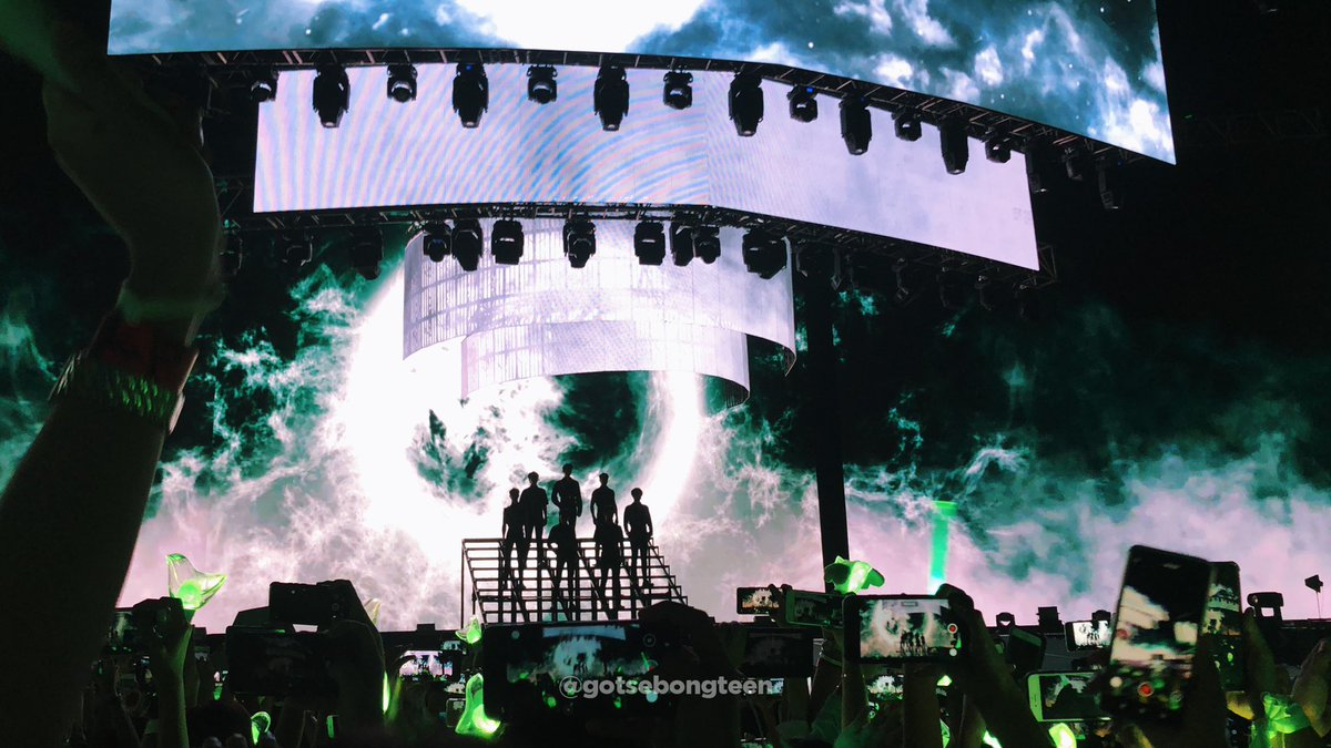 The stage design for #GOT7KeepSpinning Tour is insane! I think this is the best stage design I've come across for any kpop act.  #GOT7KeepSpinningInMANILA #GOT7KeepSpinningMNL #GOT7inManila<br>http://pic.twitter.com/hHi8BzqQRo