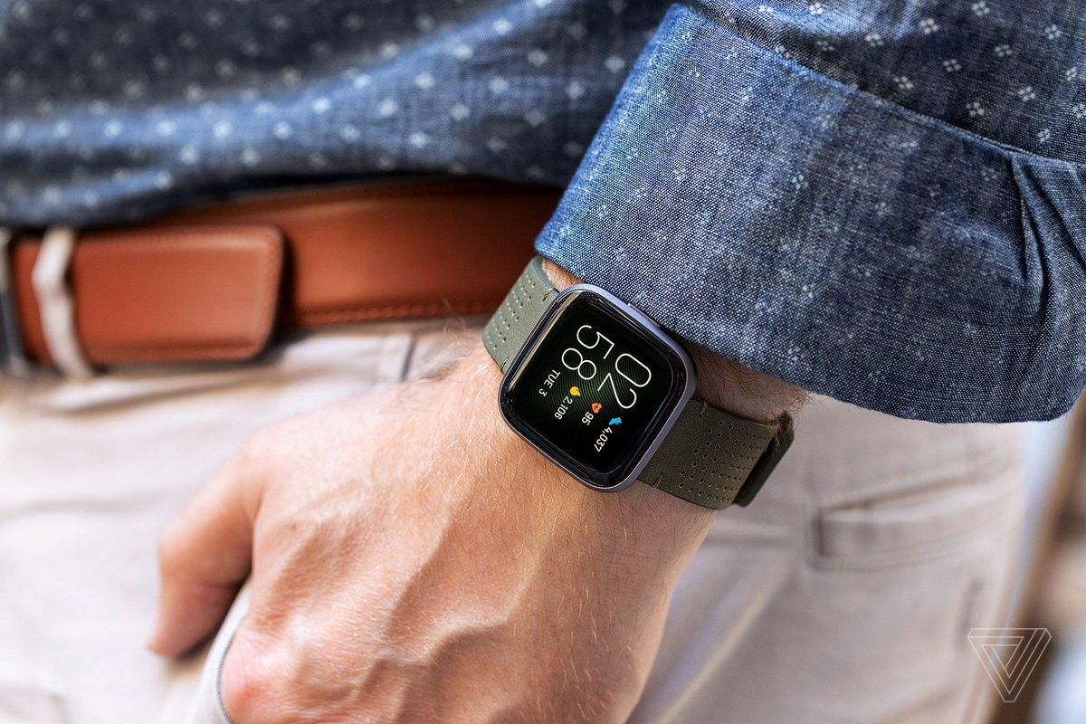 Buying Fitbit won't help Google overcome Apple's biggest smartwatch advantage