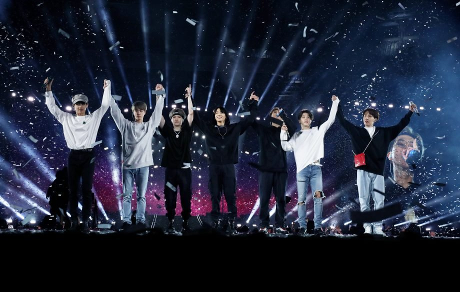 Feels good to stan the best group and the best football team in the world.  @bts_twt @LFC #ynwapic.twitter.com/Rk2AlnAyOQ