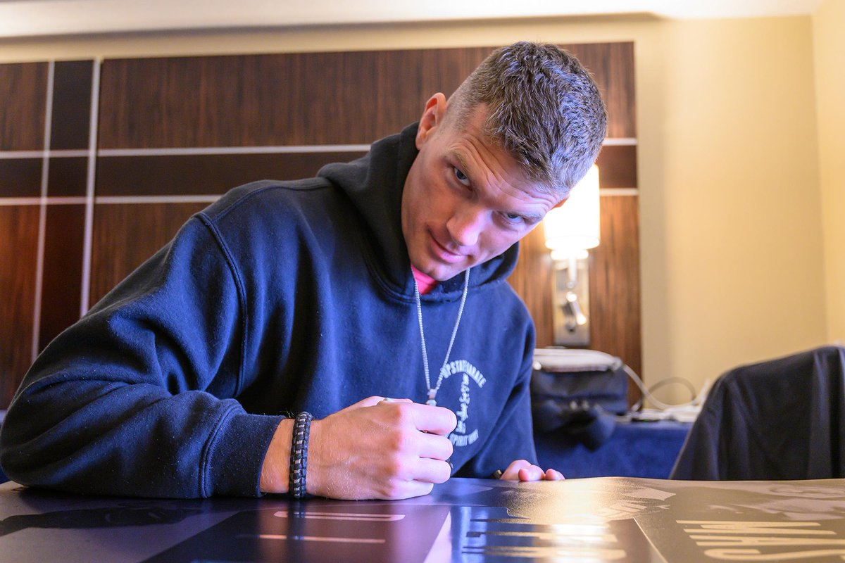 It's #UFC244 Check-In Day! ✍️ @WonderboyMMA & @VicenteLuqueMMA are ready for Fight Week!