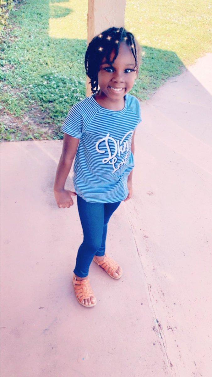 #mommasgirls #raisingqueens #momofgirls #momof3 #brownskingirls #naturalhairgirls #blackgirlmagic #blackgirls #blackgirlsrocks #prettybrownskingirl #beautyandbrains #godfearing #blackdaughters #haitiangirlsrock #haitianprincess #haitianqueen #raisinggirls #birthdaygirl https://t.co/PJ299r4GVV
