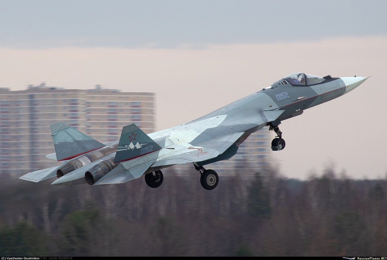 Su-57 Stealth Fighter: News #5 - Page 40 EIEV6tuUEAA0r9n?format=jpg&name=large