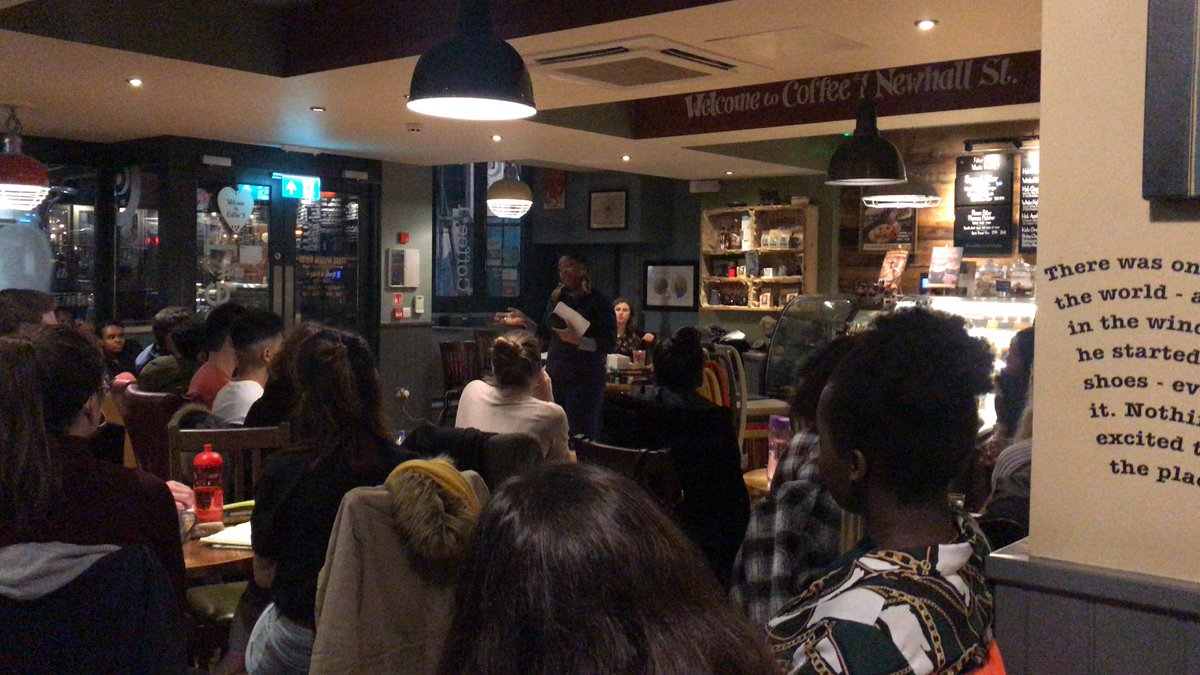 And our final speaker, Nyasha from @livingcontents, on top online networking tips 😊