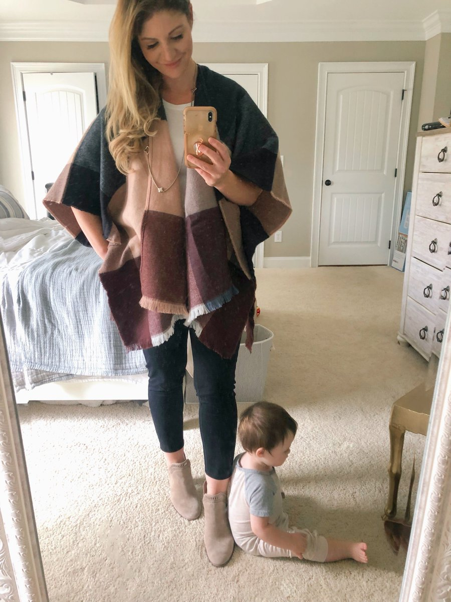 What to wear? Check out my latest #Target try-on session for #falloutfit inspo https://frostedevents.com/target-outfits-fall-fashion/… @Target  #targetmoms #targetstyle #targetdoesitagainpic.twitter.com/BYpEiu2bam