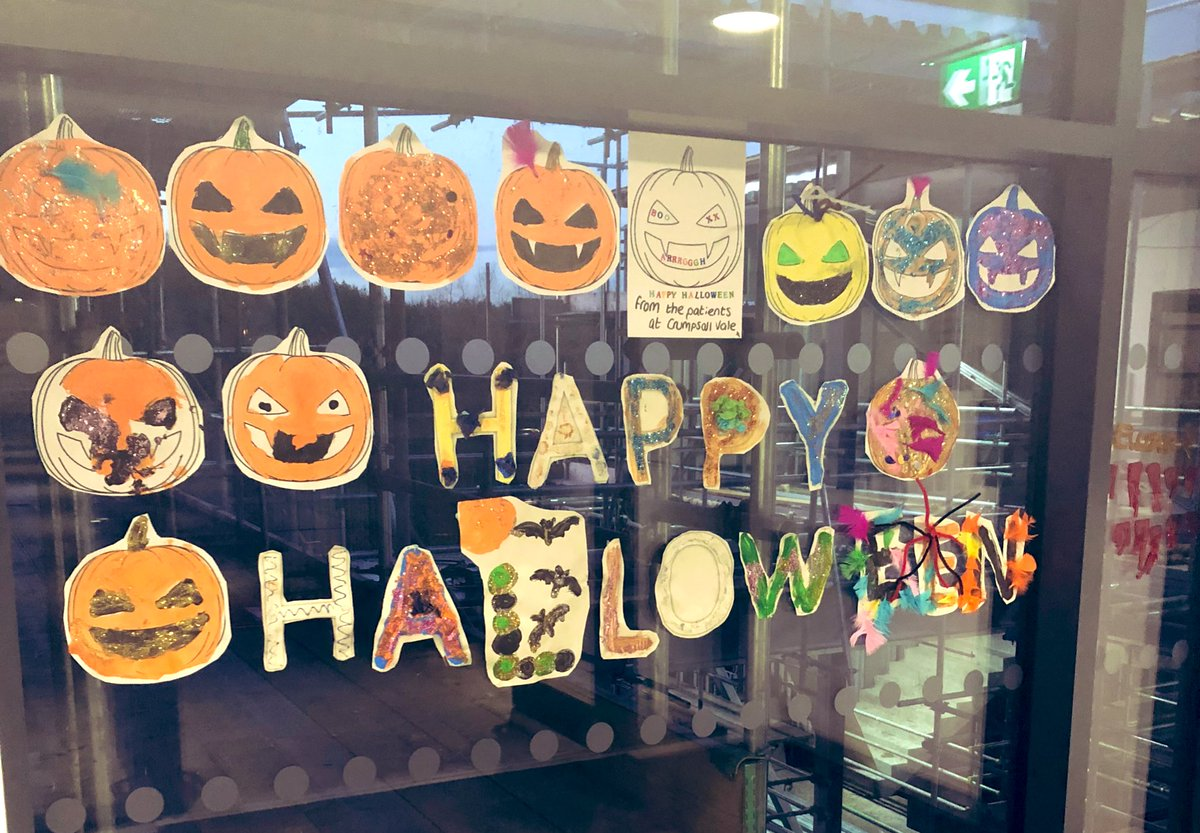Patients made these for the welcome message at our entrance in the OT group earlier today, what do you think? 🎃 #Halloween #rehabilitation #crumpsallvale #manchester #intermediatecare 👻👻👻 https://t.co/BooZNYm3e5