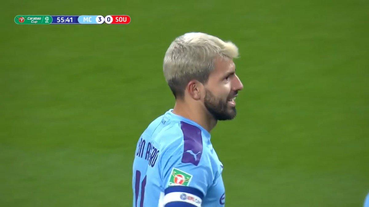 El oportunismo del Kun 🎯 Doblete de Agüero y el Manchester City pone la directa hacia los cuartos de final de la #CarabaoCup ⚽ #EFL 🏴