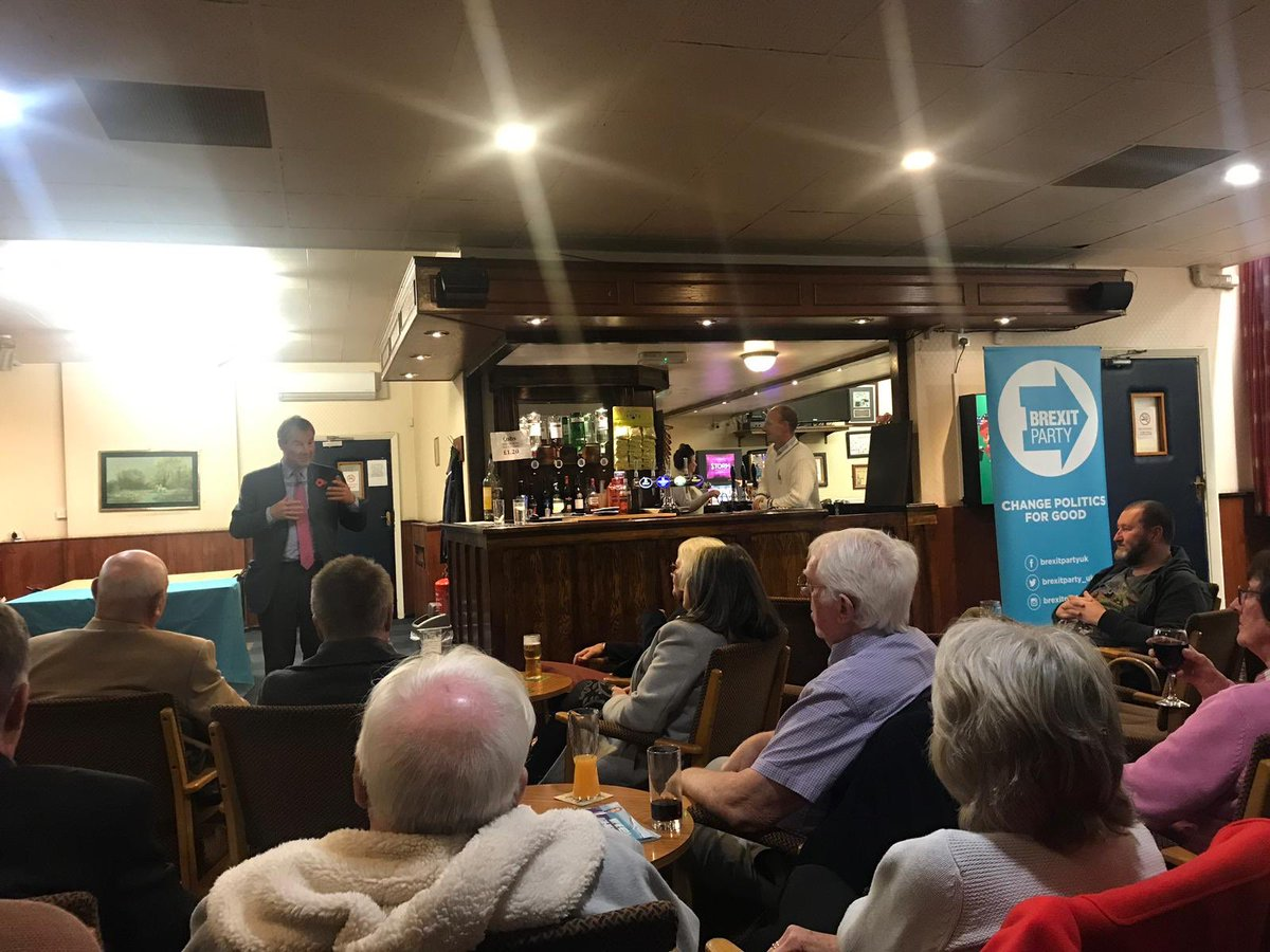 Bringing politics to the people! Real appetite for genuine change in Dudley. Great to see so many Brexiteers on a cold Tuesday night! A lot more winter weather campaigning coming...