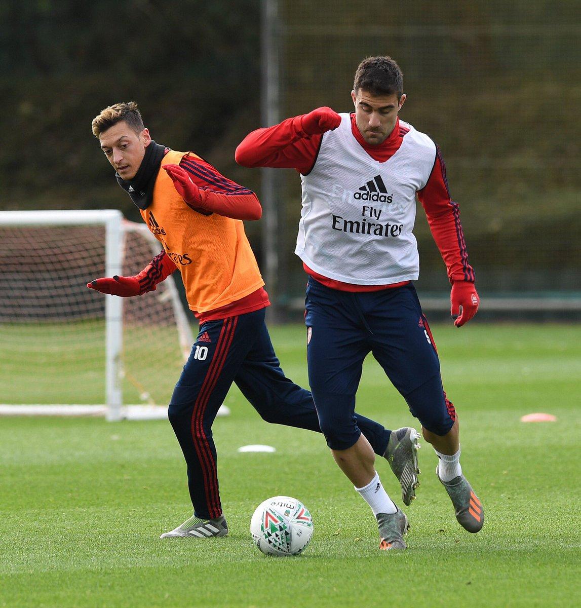 Training done ✅ @Arsenal #CarabaoCup #LIVARS