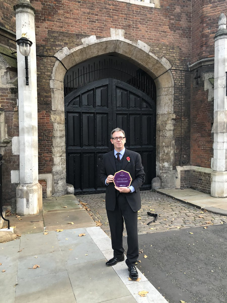 Deeply honoured and proud to have been asked to represent @OldhamCollege receiving their #PrincessRoyalTrainingAward from HRH Princess Anne at St James' Palace. #TeachingforDistinction is having a big impact and it's wonderful for everyone to be recognised in this way.