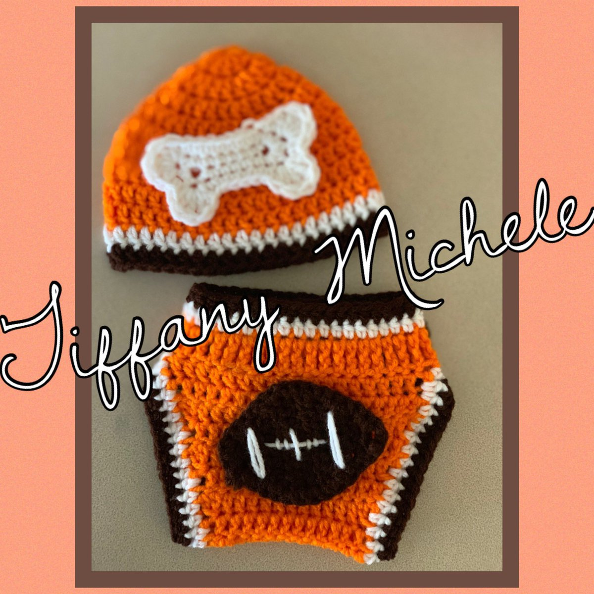 RT. Crochet Football Sports Gift Set. Cool outfit for babies. All baby sizes available at http://KARDSandGifts.Etsy.com. Shop today. #baby #handmade #crochet #clevelandbrowns #browns #football #sports #cleveland #giftset #babyoutfit #outfitpic.twitter.com/dgKn7tqW2U