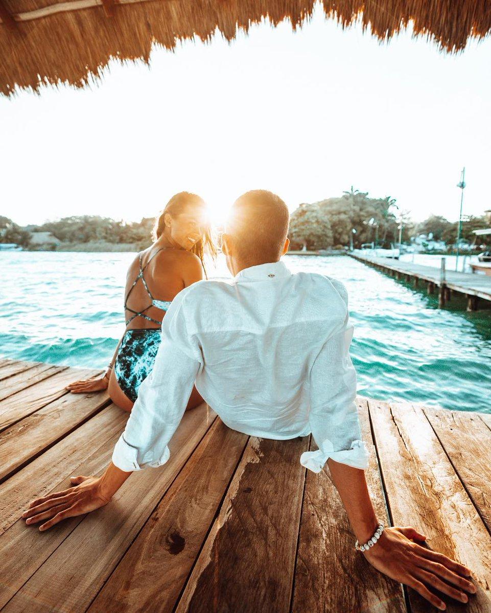El amor y los viajes tienen en común una cosa: la pasión. ¿A qué destino del @CaribeMexico te gustaría viajar en pareja?   : lovelifepassport via IG pic.twitter.com/KDKLmkraCf
