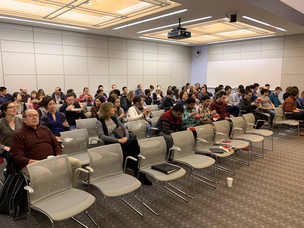 Thank you everyone! And to #LangerLab members and @MITChemE friends for their support and attendance - we had a great showing @kochinstitute<br>http://pic.twitter.com/v5vhEhBsy1